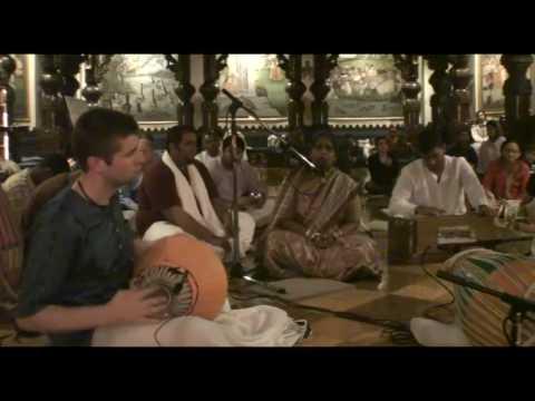 NY Eve Bhajan - Nila Madhava dasi - Sandhya Arati - 4/21