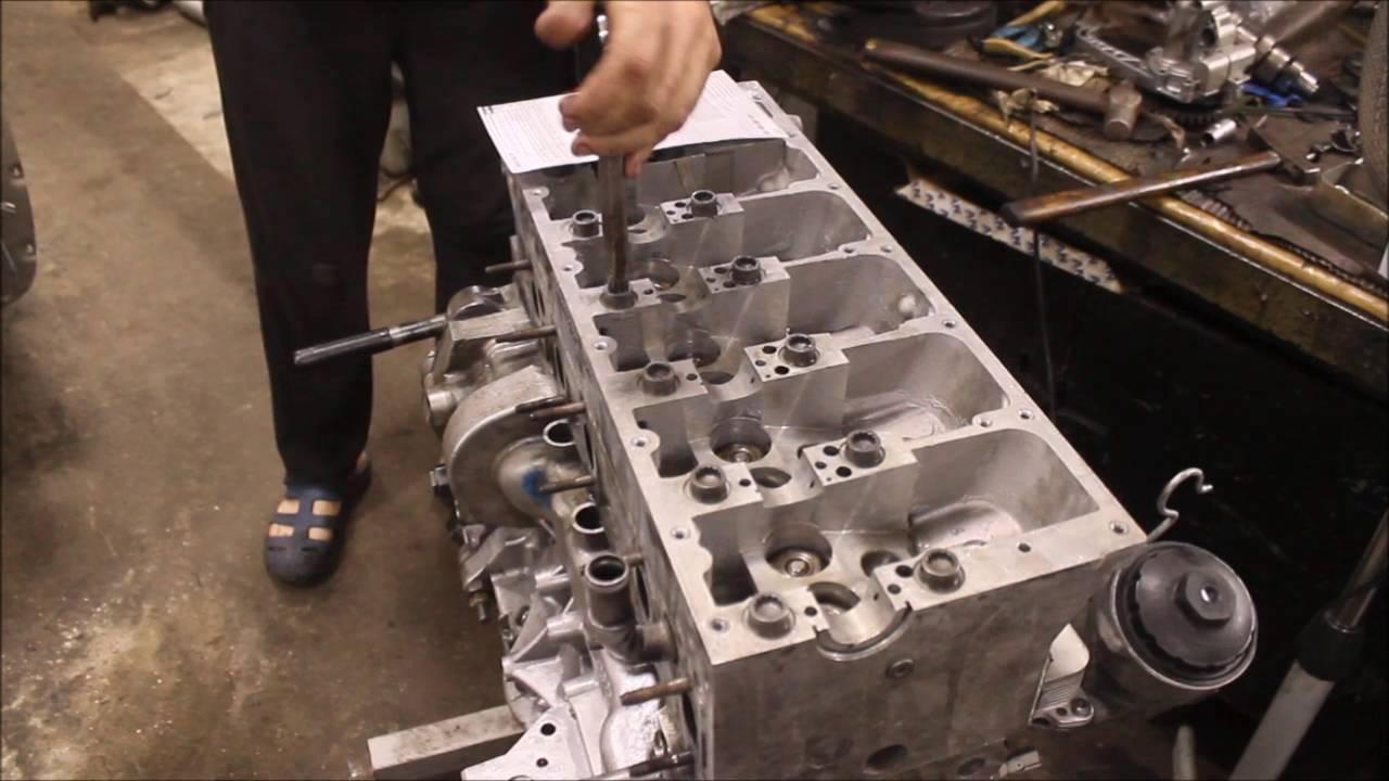 Видео ремонт двигателя фольксваген транспортер наклонный транспортер тсн 160