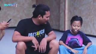 Download Video Anak kecil pake pomade di tanya bapa bapa lucu MP3 3GP MP4