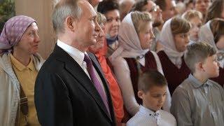 Путин на церемонии освящения нового храма Сретенского монастыря