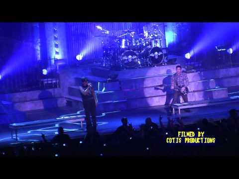 Avenged Sevenfold - Danger Line [LIVE DEBUT] - 2011-01-20 - Sovereign Center - Reading, PA - HD