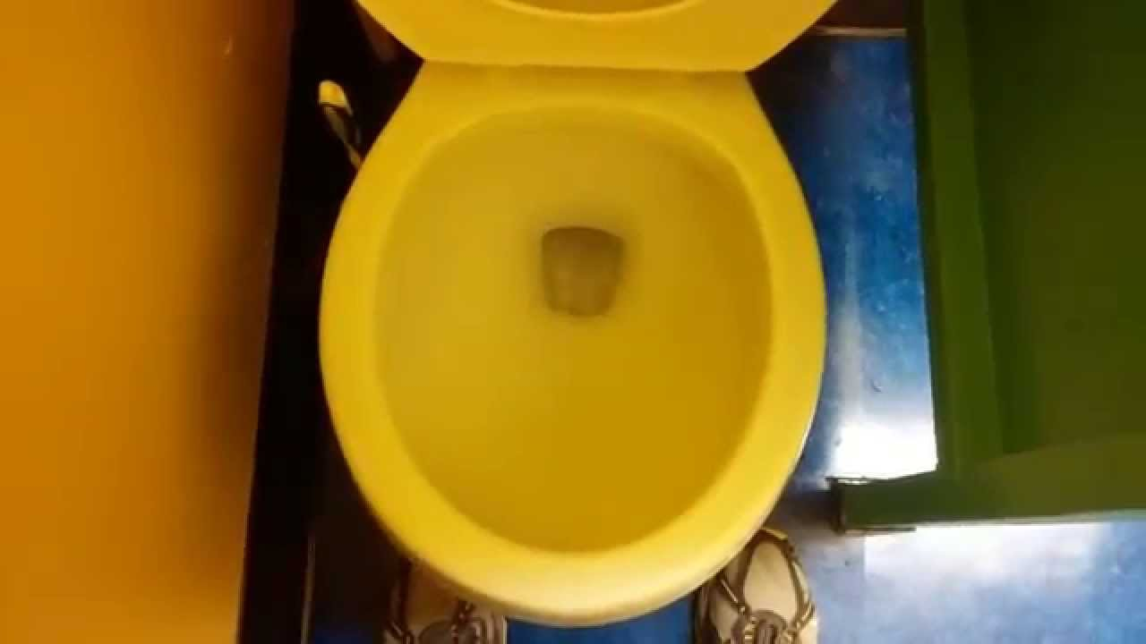 506] Project Source (Lowes) Toilet and Standard Bering Urinal - YouTube