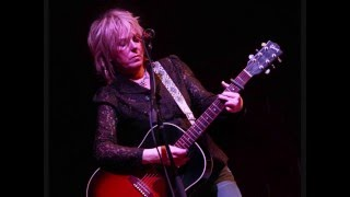 Watch Lucinda Williams Nothing In Rambling video
