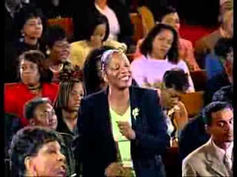 Pastor E Dewey Smith Singing an Ole School Hymn
