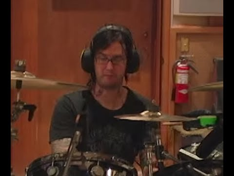"Avenged Sevenfold release video of drummer ""The Rev"" on 9th year of his passing.."