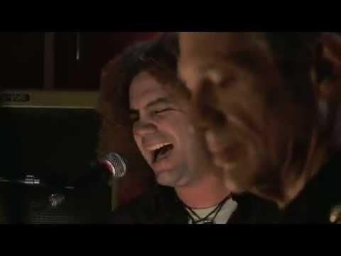 IKE PARODI  (cantante de VUDU) junto a VITICUS - Born On The Bayou (Creedence cover) HD_(360p).avi