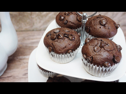 CHOCOLATE CHOCOLATE CHIP CUPCAKES FOR VALENTINES DAY