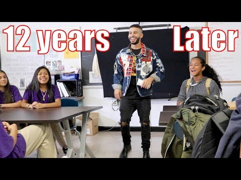 SURPRISING STUDENTS IN CLASS AT MY OLD SCHOOL! (12 YEARS LATER)