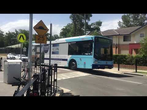 Busways: Volvo B7RLE Euro 5/Volgren CR228L arrives and departs Quakers Hill for 752 to Blacktown