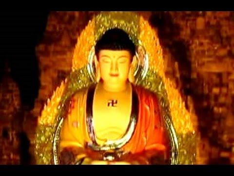 VESAK Buddhist Chanting Pradakshina - TRISUCI Waisak - Buddhism in Indonesia [HD]