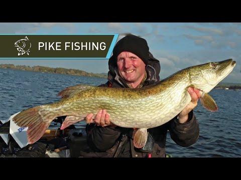 PIKE FISHING Paul Garner's Pike Guide Nash Tackle 2015