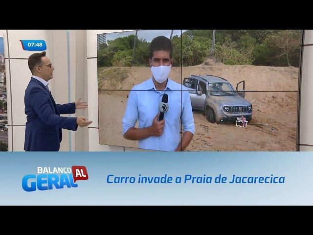 Carro invade a Praia de Jacarecica