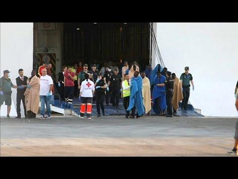 20 مفقودا من قارب يقل 49 مهاجراً عثر عليه قبالة السواحل الإسبانية…  - نشر قبل 3 ساعة