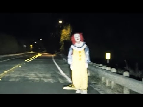 KID ATTACKED BY CLOWN!!!!