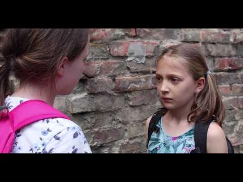 Az új lány - Bogya Anna és Turcsányi Eszter filmje