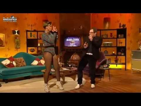 RIHANNA SHOWING ALAN CARR HOW TO DUTTY WINE AND BOGLE