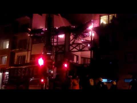 Un incendio consumió el hotel Argentino de Bariloche