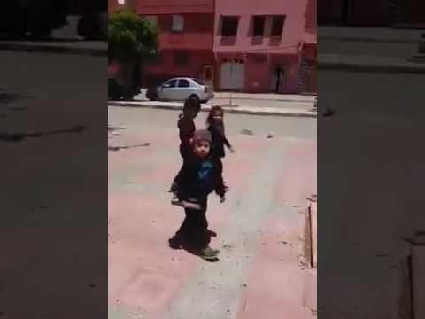 أخطر  طفل مغربي صغير thumbnail