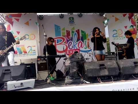 Shae - Kok Telpon-telpon Sih - Cover by. An Cusuriou with IDV at.SMB - Bekasi EXPO 2017