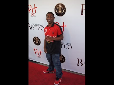 30 Seconds of Dating: Actor Bobb'e J Thompson