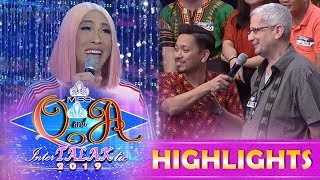 It's Showtime Miss Q and A: Vice Ganda makes fun of Jhong while talking to one madlang people