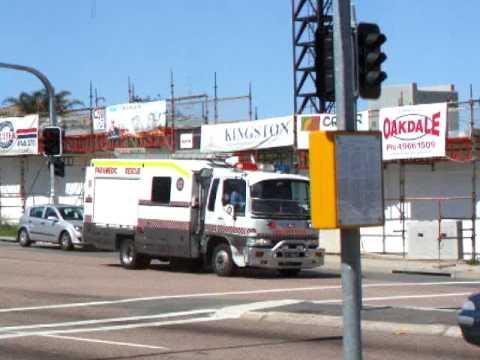 ambulance-nsw---rescue-821-(newcastle)-on-a-hot-response!