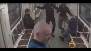 Столичные полицейские задержали подозреваемых в хулиганских действиях в вагоне метро
