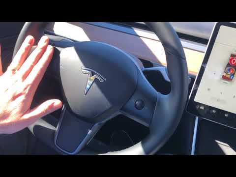 Vi tar en titt på den store skjermen i Model 3
