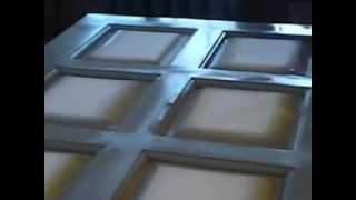 Грунтовка двери перед покраской.(Заливка полотна двери грунтом перед покрытием автомобильной эмалью ( заказчица хочет снежно белые двери)., 2012-07-21T08:42:53.000Z)