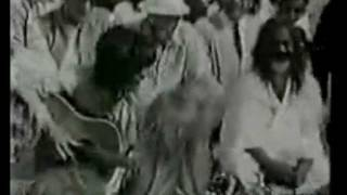 The Beatles in India.Unreleased dear Prudence.