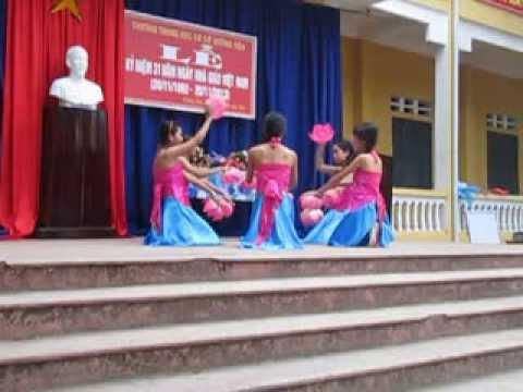 Trường THCS Hương Nộn - Lớp 8C - Múa Đi cấy