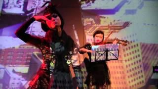 Vocal : 村田沙織 Violin : 坪井侑希子 Sax : 手銭葵子 Model : 丹野初...