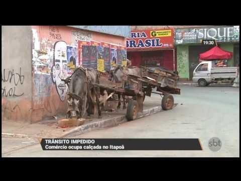 Comércio ocupa calçada no Itapoã