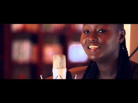 Marema / Femme d'affaires ( Acoustic version)