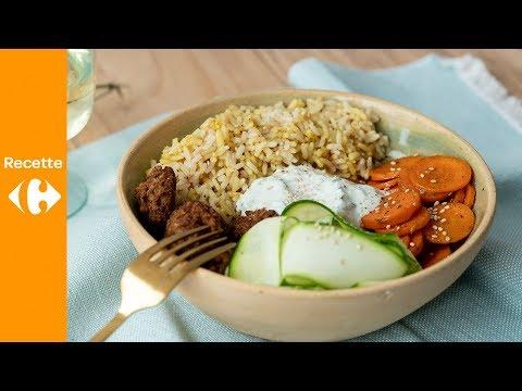 bol-de-riz-avec-falafel-au-four-et-vinaigrette-épicée