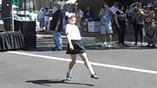 飛び入り少女のアイリッシュダンス。