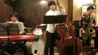 2013.1.12@喫茶館プロコップhttp://procope.jimdo.com/ Lazully Jazz Qu...
