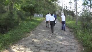 Du tu Nha Trang hanh huong Duc Me Giang Son   11 thang 4 nam 2012