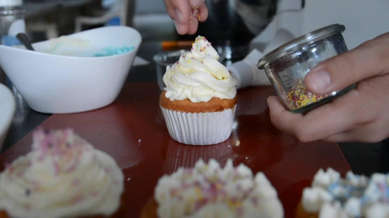 Comment faire un gla age pour cupcakes facile et rapide youtube - Glacage cupcake facile ...