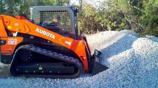 Kubota SVL90 demonstrates