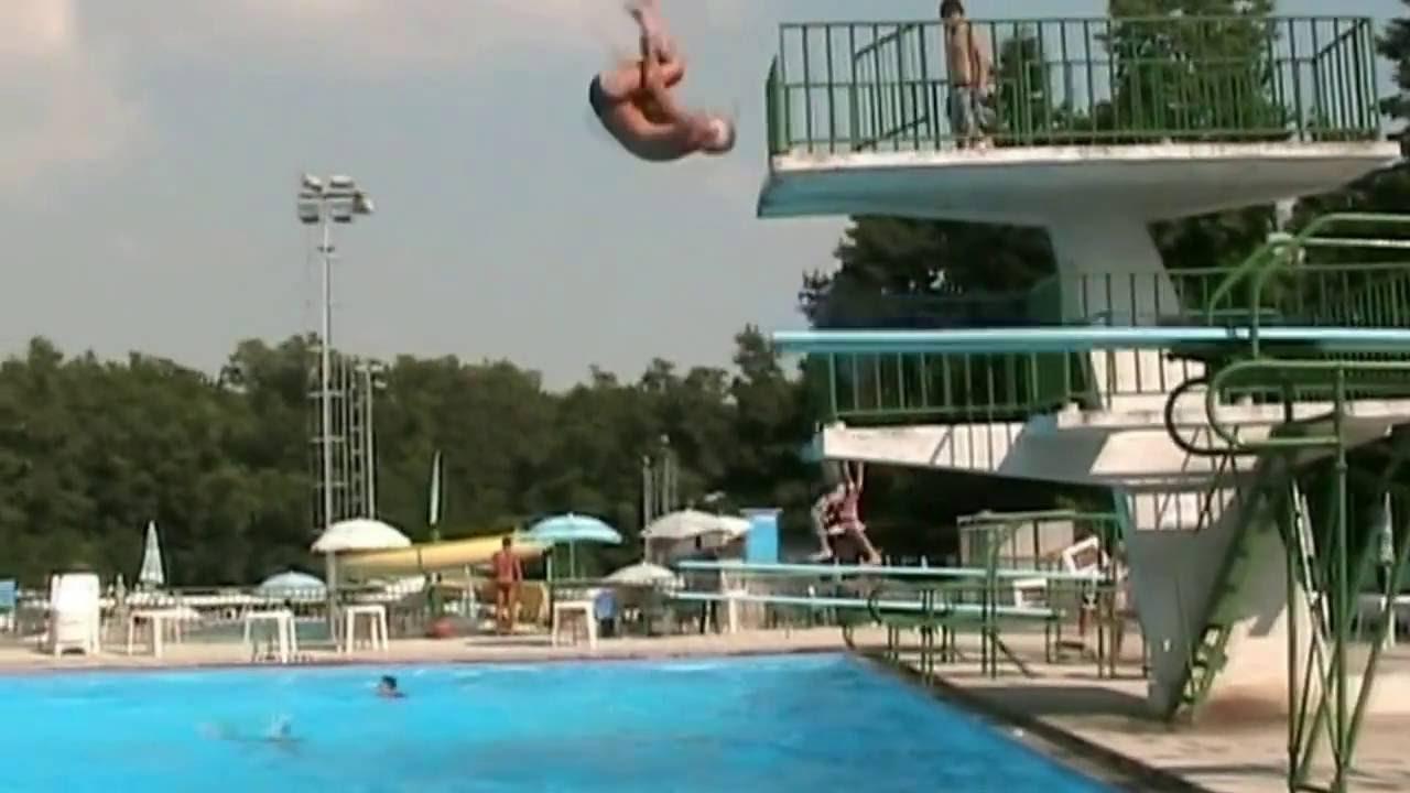 tuffo alla celentano di nando nella piscina gabbiano
