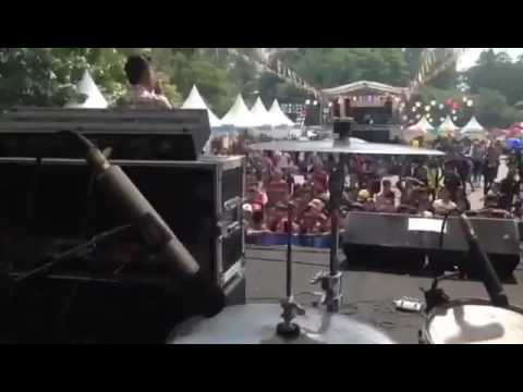 Selamat datang-Tanpa Batas live at manahan solo