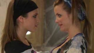 Video lesbian kiss download MP3, 3GP, MP4, WEBM, AVI, FLV Maret 2018