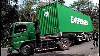 vuclip Truck Trailer Truk Kontainer Truk Tronton Hino Fuso Isuzu Mercy di Tanjakan Timez