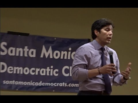KEVIN DE LEON GETS SHOUTED DOWN BY TRUMP SUPPORTERS DURING THE ENTIRETY OF HIS SPEECH. SANTA MONICA