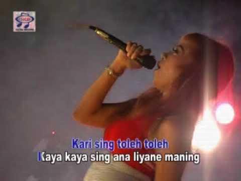 Reny Farida - Sing Duwe Isin [Official Music Video]