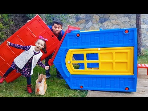 Öykü's House Flew in the Wind - Funny Kid Oyuncak Avı