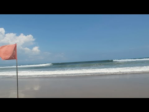 THE WAVES ARE HUGE, BALI | SouthEast Asia