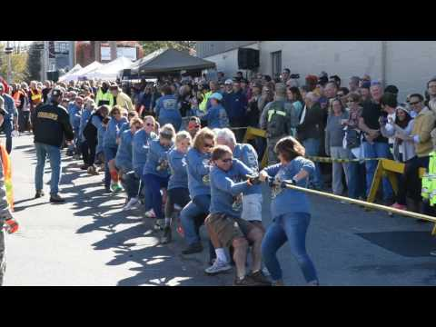 2016 MRE Tug of War 16110244