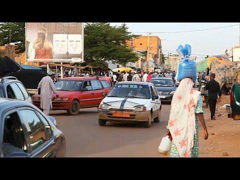 Níger: Milhares de refugiados desesperam em centros de acolhimento